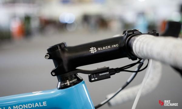 Factor Ag2R med Black Inc frempind/udstyr